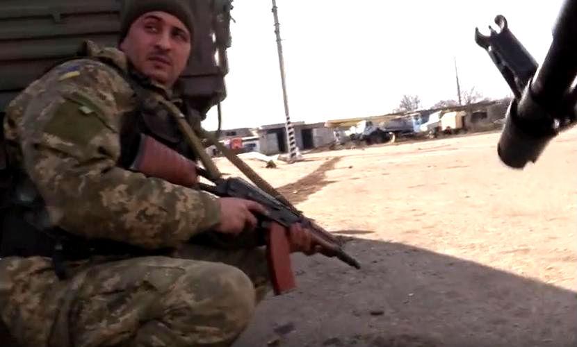 Украинская армия с боями вытеснила ополчение из Авдеевки и жестоко обстреляла Донецк
