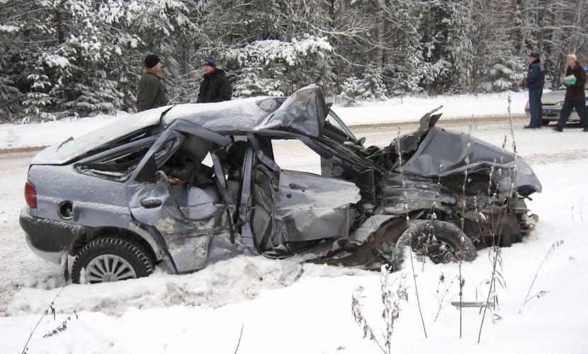 Главными причинами аварий ученые назвали ошибки водителей и общение с пассажирами