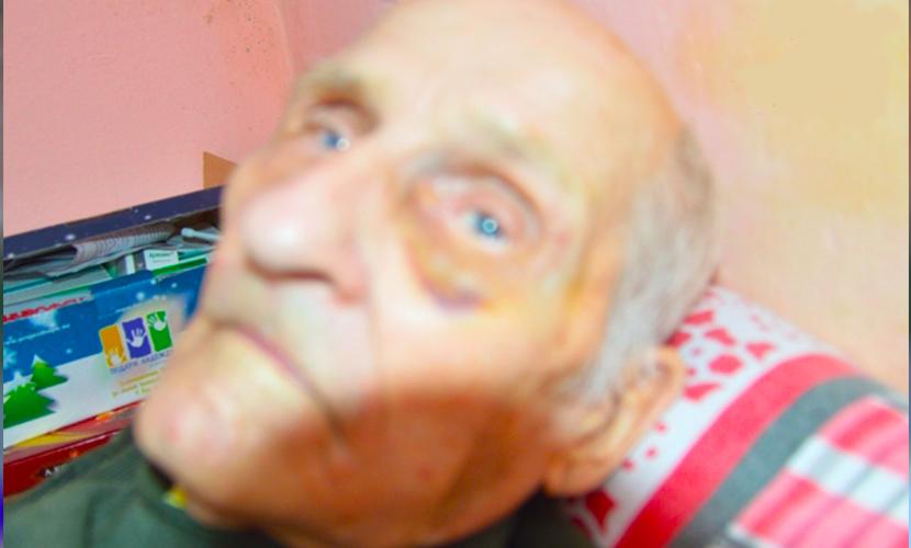 Молодой здоровый медбрат в два счета справился с 92-летним стариком