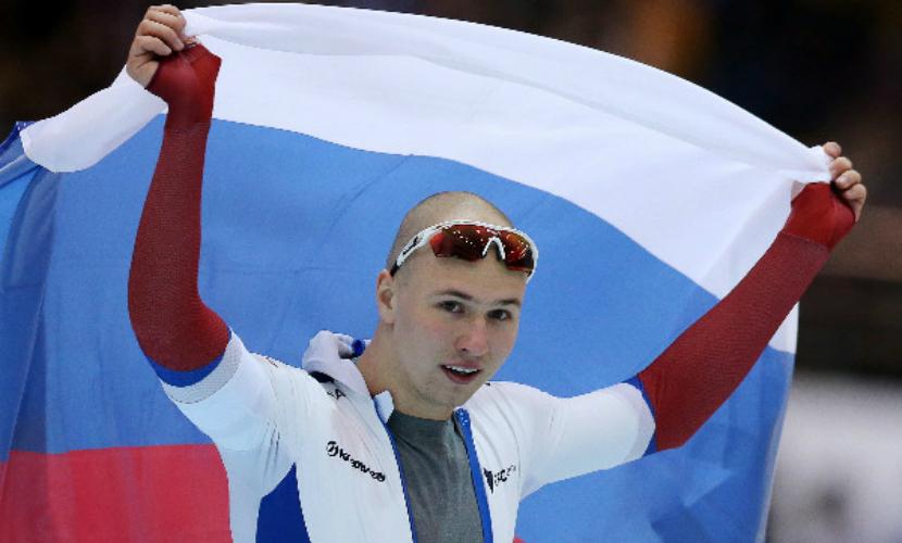Награждение российского конькобежца под гимн США попало на видео