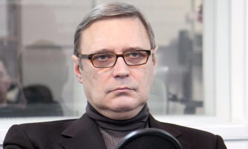 Опубликовано видео нападения на Касьянова с тортом и криками
