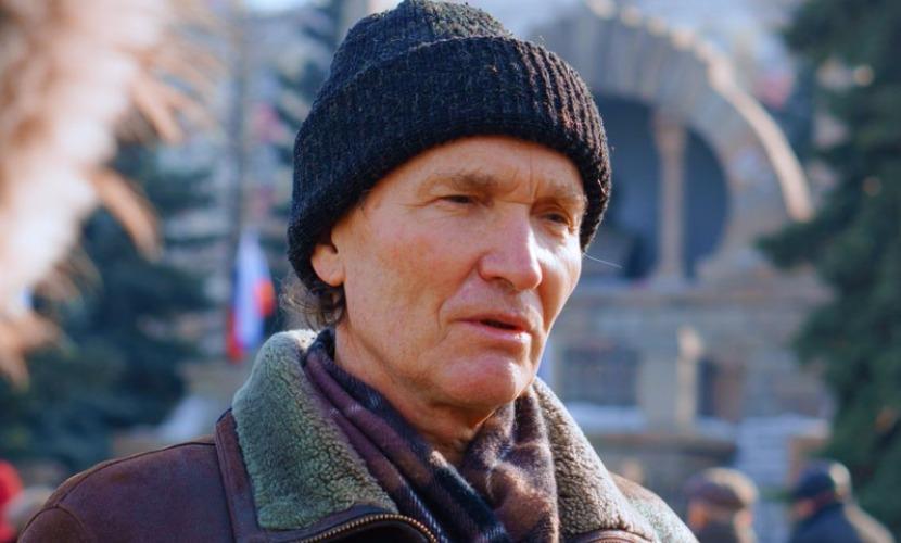 Организатору митинга памяти Немцова сломали ребро у проходной завода в Челябинске