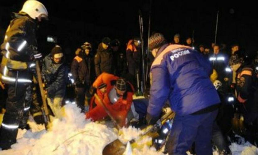 Полицейские назвали причину смерти мужчины при сходе лавины в Мурманской области