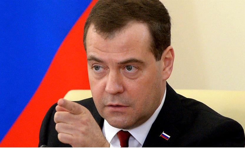 Денег нам может просто не хватить, будем предельно аккуратными, - Медведев