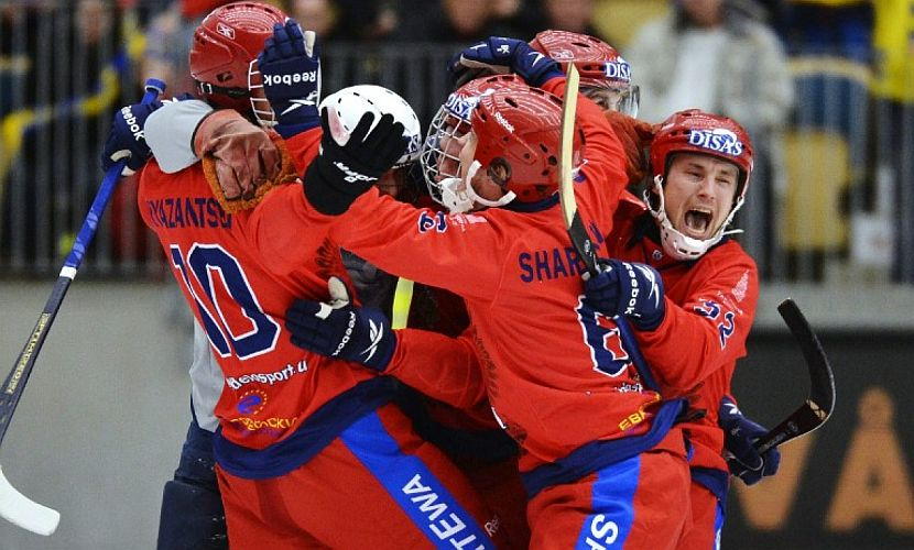Сборная России по хоккею с мячом справила юбилей, в 10-й раз став чемпионом мира