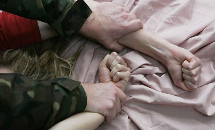 Изнасилование молодой женщины завершилось жестоким групповым убийством под Красноярском