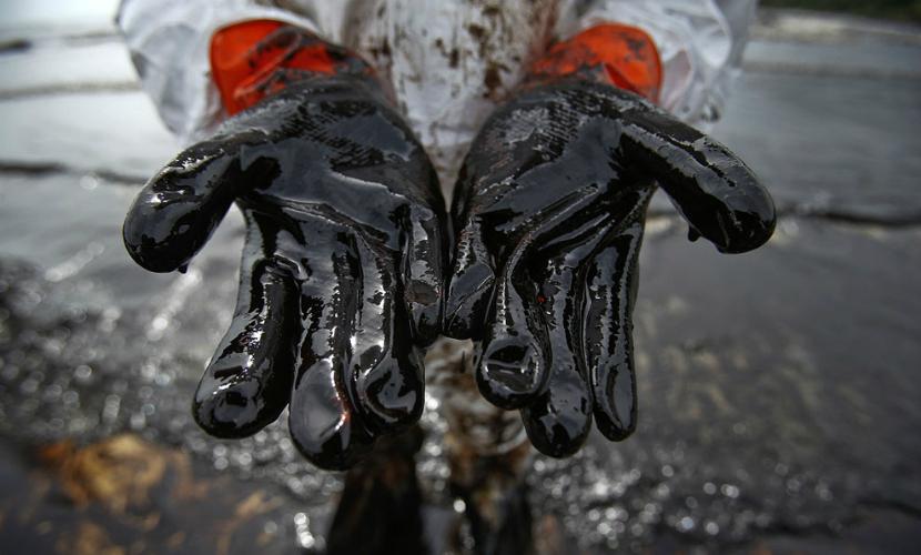 Крупный разлив нефти произошел под Анапой