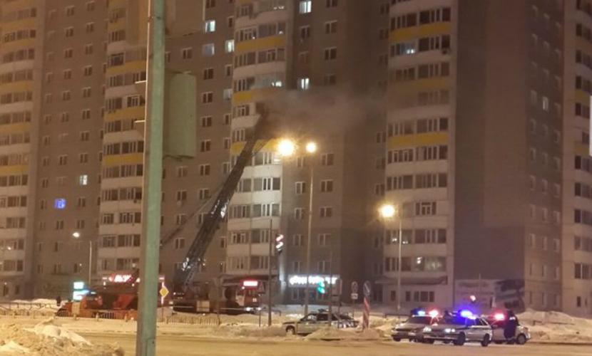 Беременная женщина, девочка и мужчина сгорели в многоэтажке Сургута