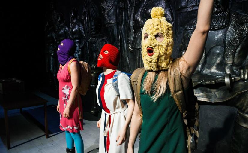 Шведские актеры поиздевались над советскими партизанами в спектакле о панк-молебне Pussy Riot