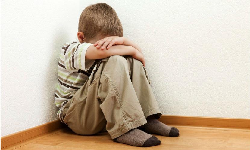 Молодая мать нанесла своему 4-летнему сыну черепно-мозговую травму после многомесячных издевательств