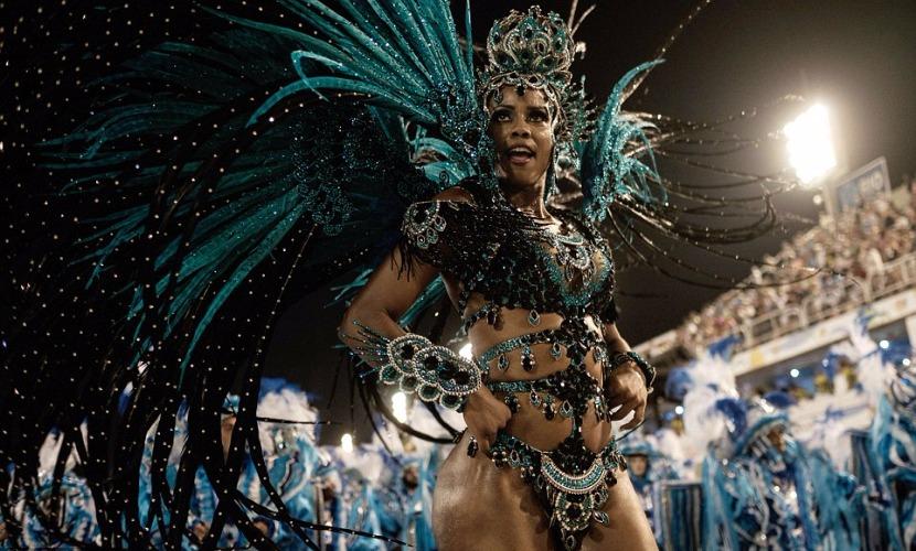 Бразильские красавицы решили забыть о вирусе Зика и поразили наготой на карнавале в Рио