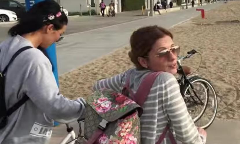 Звезды Comedy Woman вместе с Анной Седоковой совершили романтическое велопутешествие по Лос-Анджелесу