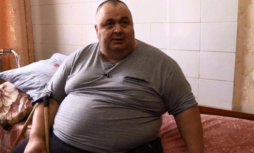 Мужчина весом 300 килограммов перестал втискиваться в автобус и бросил работу