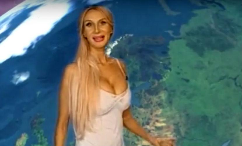 Сексуальная блондинка-телеведущая из Челябинска стала звездой Интернета