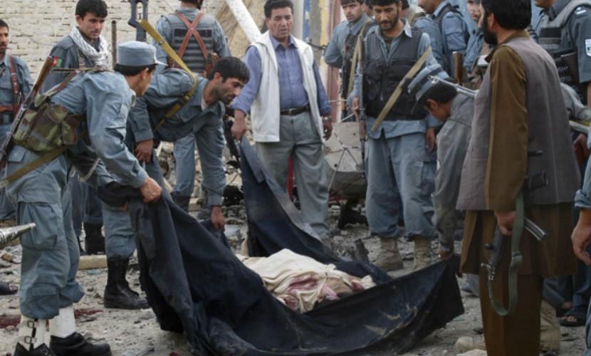 Террорист-смертник устроил мощный взрыв возле полицейского участка в Афганистане