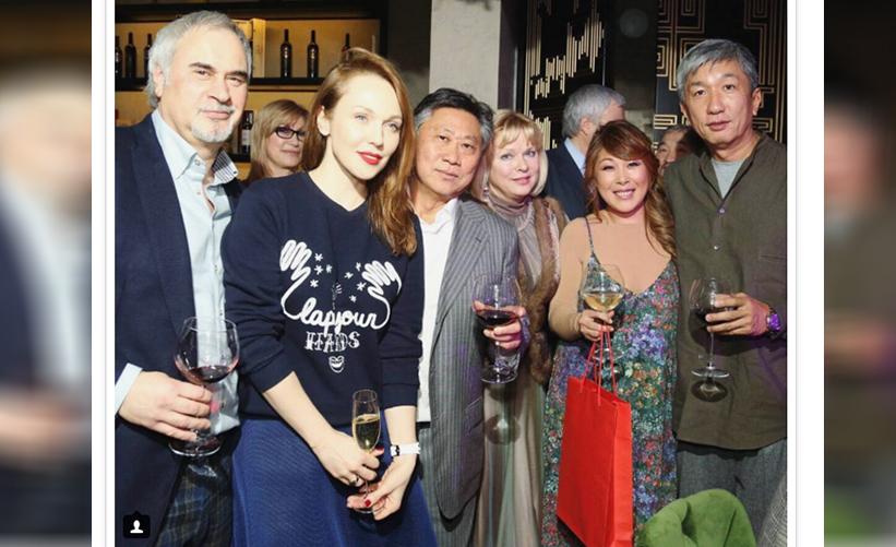 45-летие Анита Цой отметила в ресторане корейской кухни в Москве в компании близких и друзей