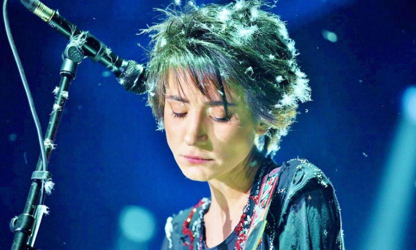 Земфира прекращает концертную деятельность после гибели британской рок-группы в ДТП