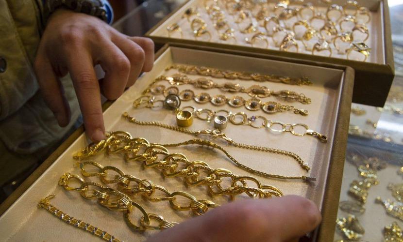 Четверо преступников ограбили ювелирный магазин в присутствии продавца под Ростовом