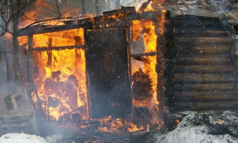 Хозяйка дома, ее сын и дочь с любовником погибли в страшном пожаре под Красноярском