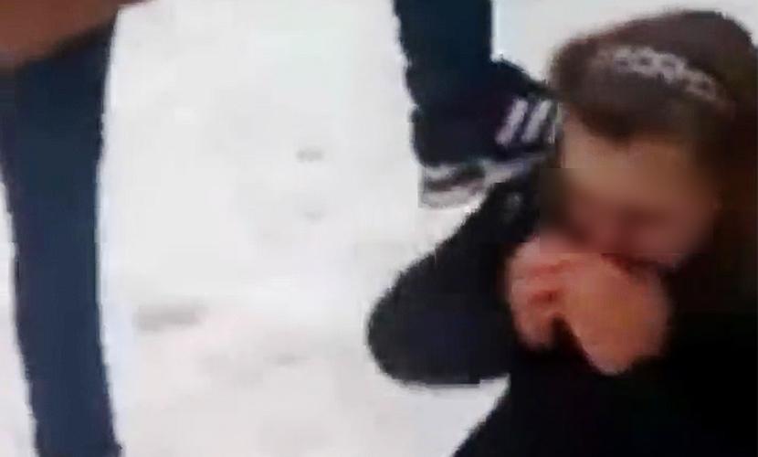 Школьники сняли на видео жестокие избиения и унижения девочки в Москве