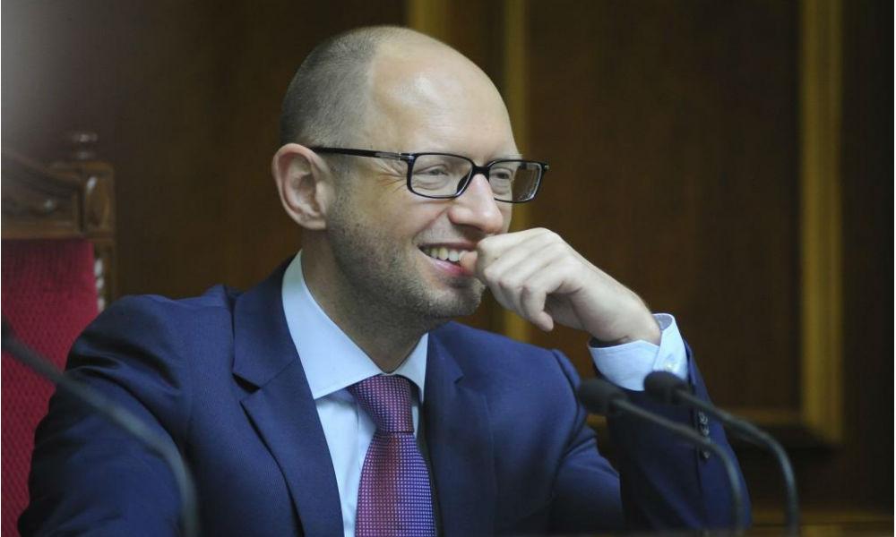 Яценюк объявил о своей незаменимости, но готов к отставке
