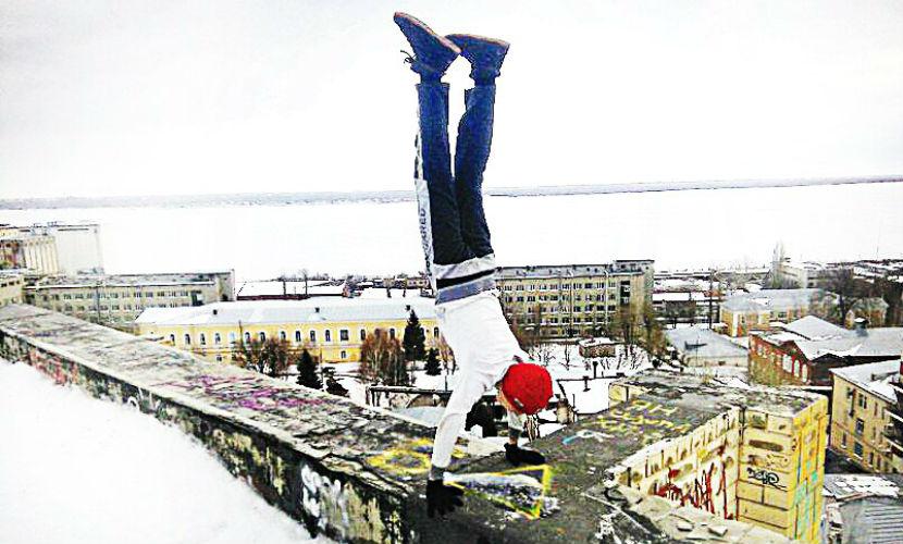13-летний паркурщик сорвался с крыши в Саратове и разбился насмерть