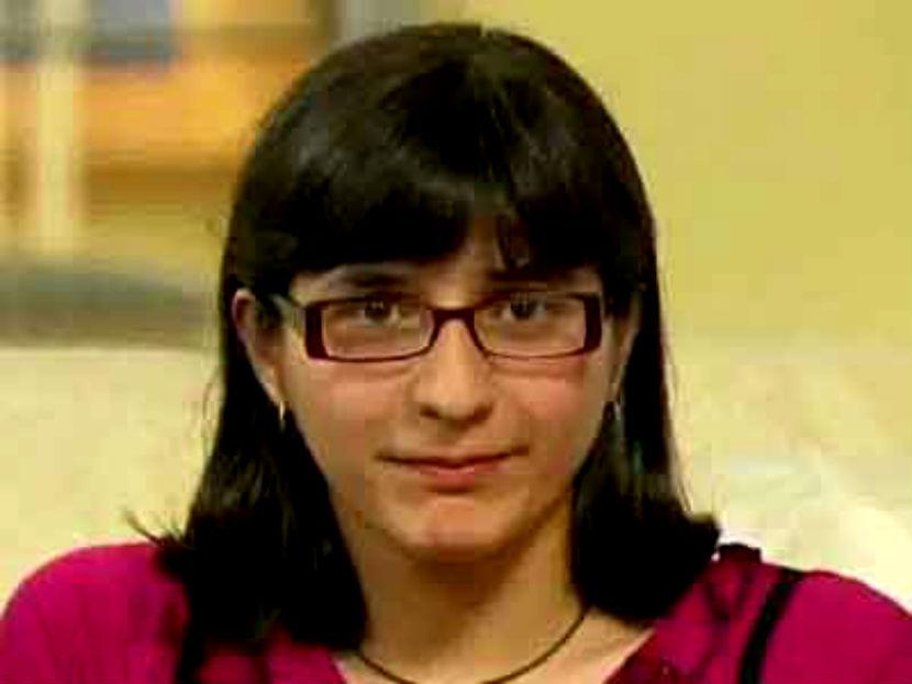 Сиамская близняшка Гита стала россиянкой после смерти сестры