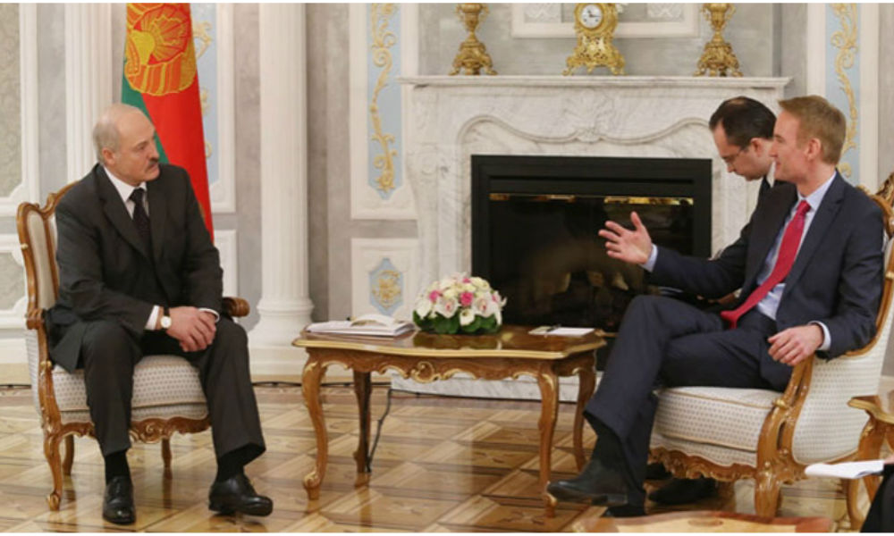 Лукашенко раскусил намерения представителя Пентагона и предложил тому заняться экономикой