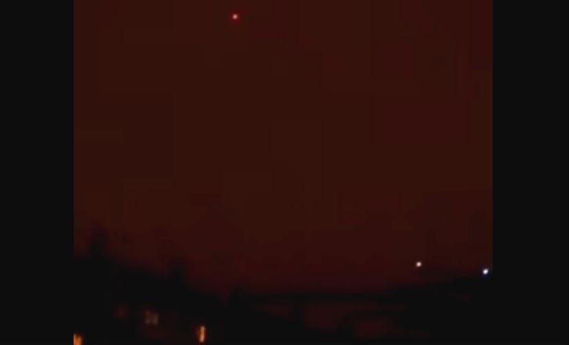 Скоростной НЛО с необычным свечением «поймал» на видео житель Челябинска