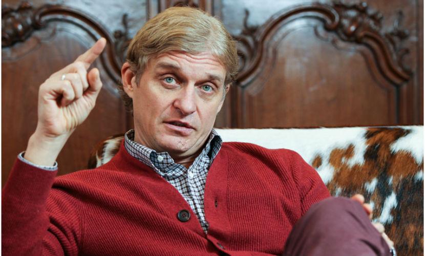 Тиньков подарил сотрудникам акции собственного Тинькофф Банка