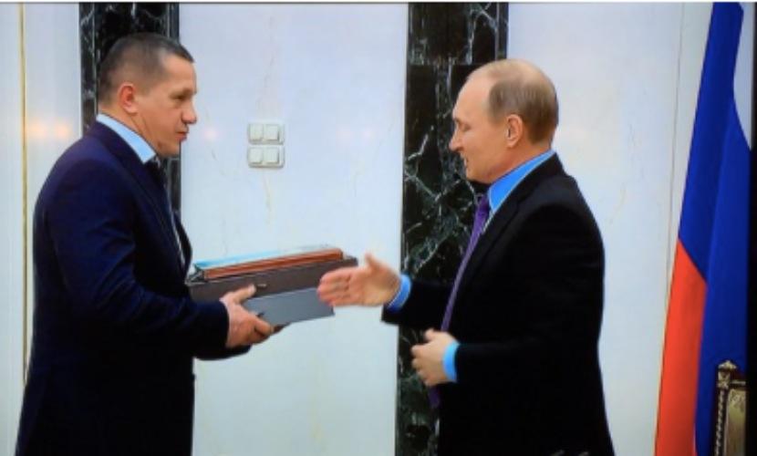Путин начал разговор с правительством с песни Высоцкого об «обнажении бицепса»