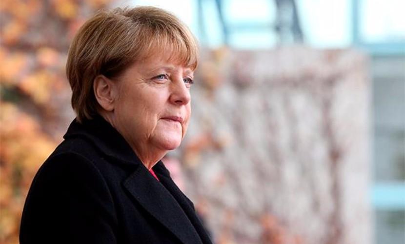 Меркель раскритиковала Грецию за недостаточное количество мест для беженцев