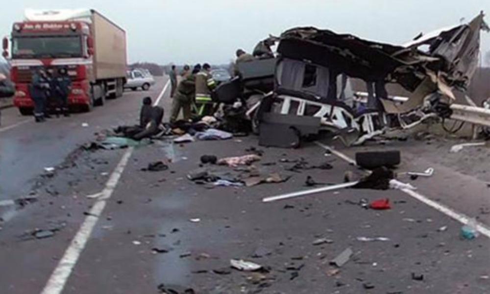 8 человек погибли после выезда микроавтобуса на встречную полосу в Полтавской области