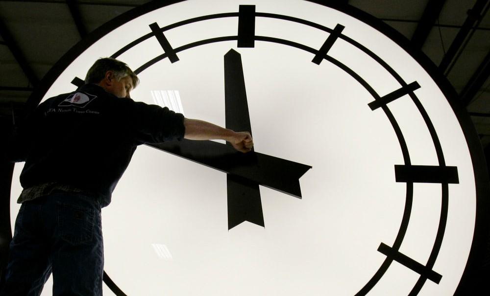 Шесть российских регионов изменили часовые пояса