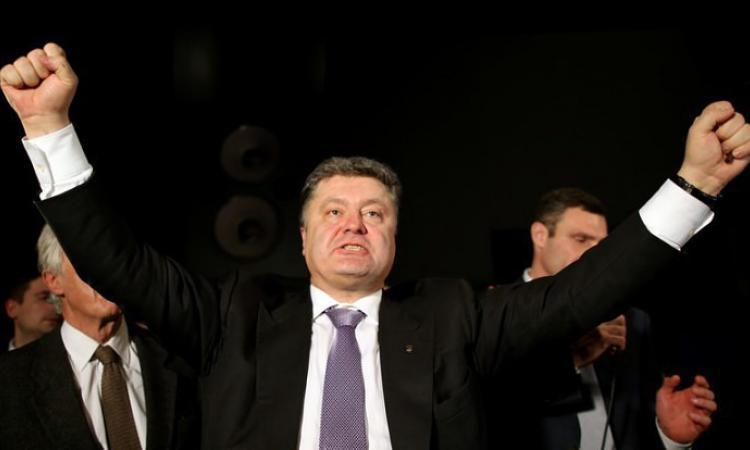 Украинец предложил Порошенко размыть Керченский пролив и затопить Таганрог