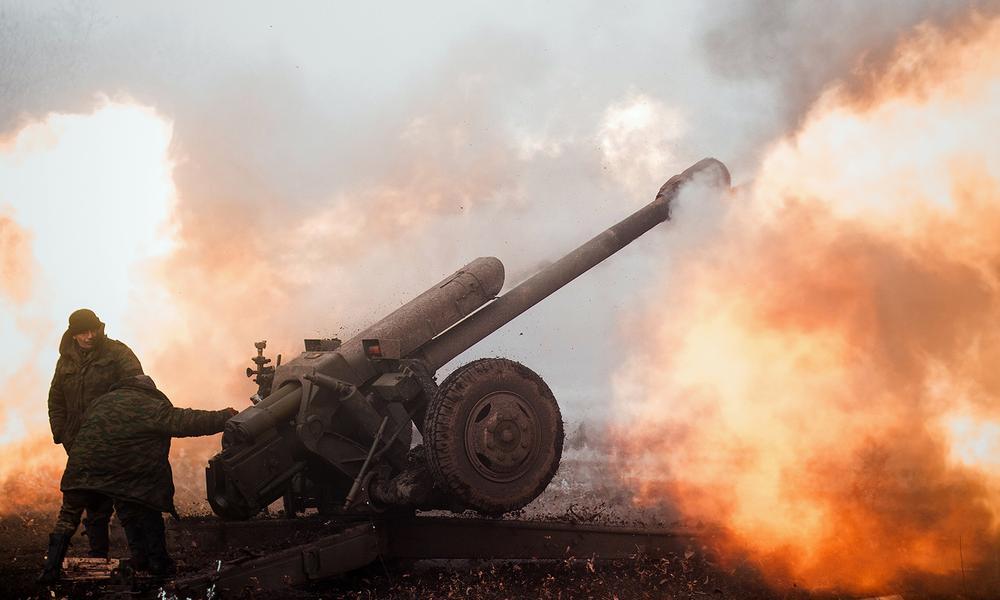 Российские тележурналисты попали под обстрел украинских силовиков возле Ясиноватой