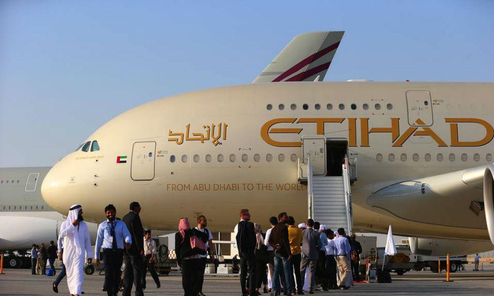 Самолет из Абу-Даби экстренно приземлится в Домодедово из-за пассажира