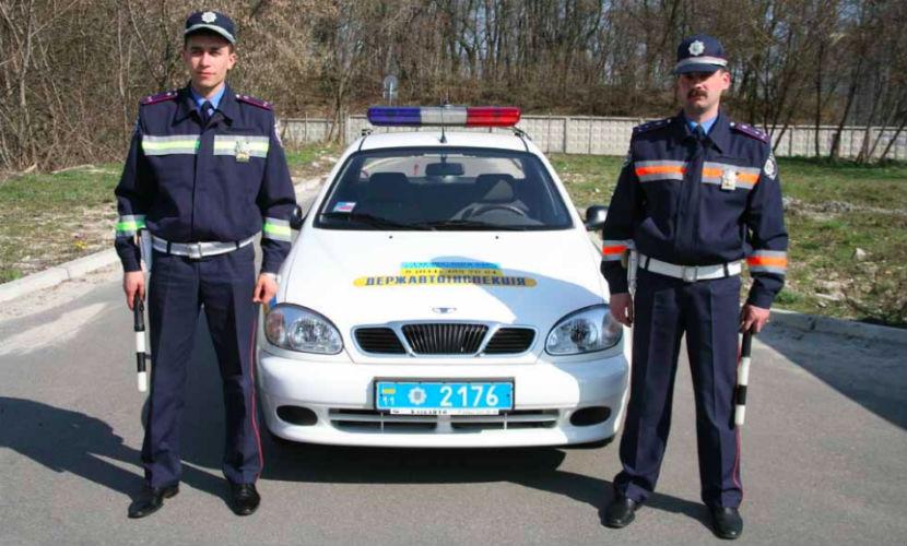 Украинская полиция предложила за деньги сопровождать фуры из России