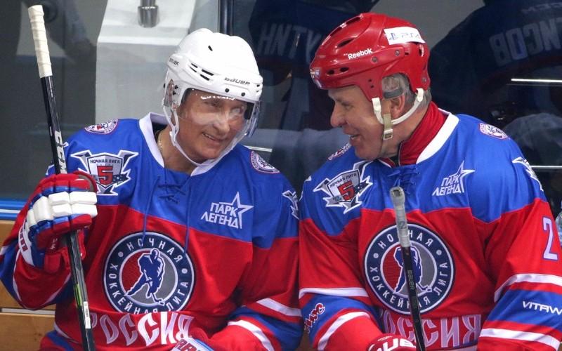 Я предложил Путину встать на коньки, и он по-настоящему влюбился в хоккей, - Фетисов