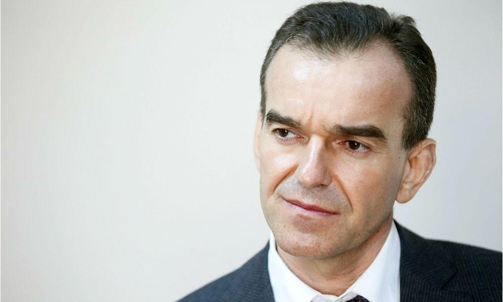 Губернатора Краснодарского края оставили за бортом самолета на Москву