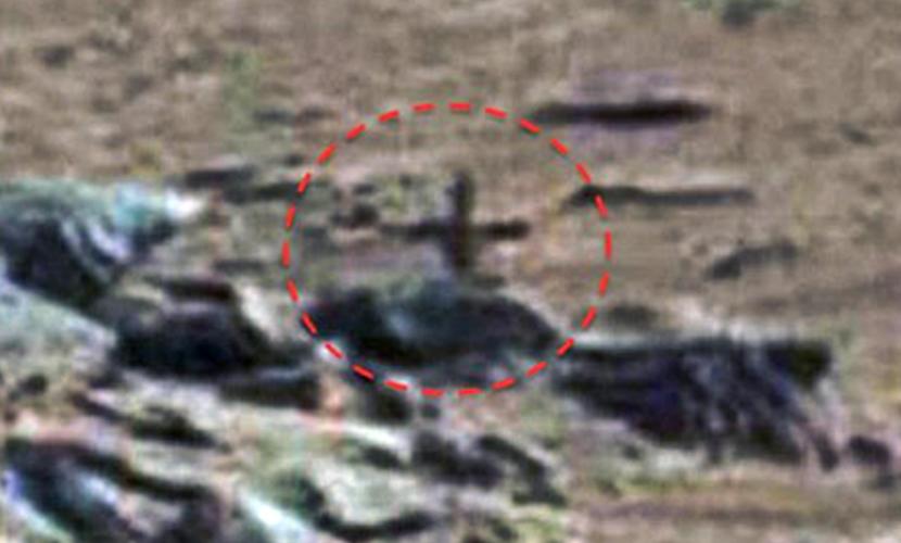 Охотники за НЛО выложили фото креста и надгробной плиты с поверхности Марса
