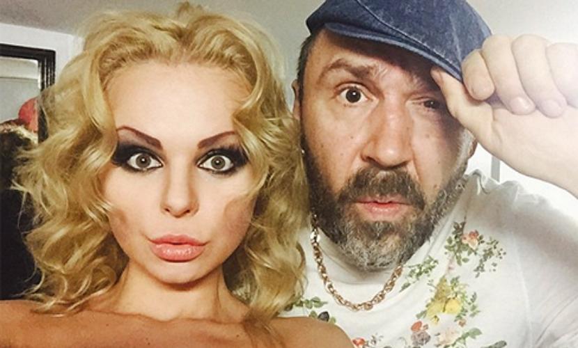 Шнур выгнал из «Ленинграда» исполнительницу суперхита про «лабутены»