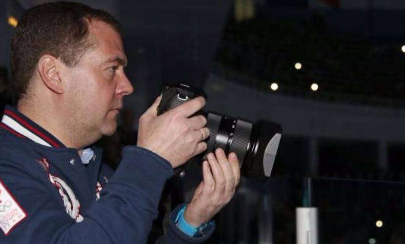 Медведев восхитился ночной Москвой и получил признание в любви