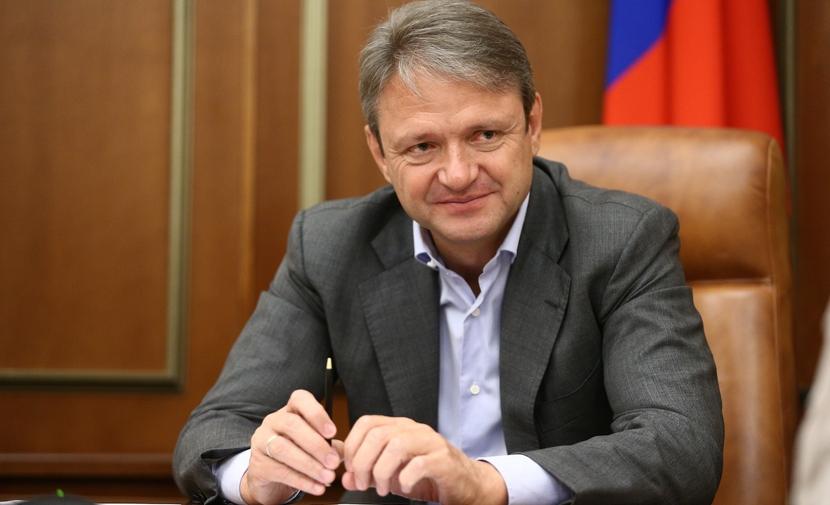 Если я министр, это не значит, что они должны бизнес продать, - Ткачев - о семейном агрохолдинге