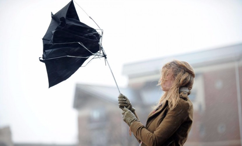 Синоптики предупредили о предстоящем ухудшении погоды в двенадцати российских регионах