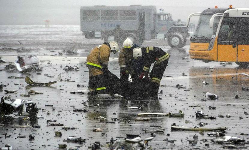 Перед крушением Boeing 737-800 в Ростове пилоты успокаивали друг друга