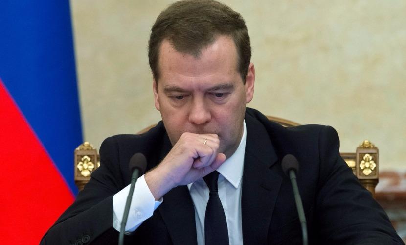 Россия сохранит ответные санкции до тех пор, пока есть внешнее давление Запада, - Медведев