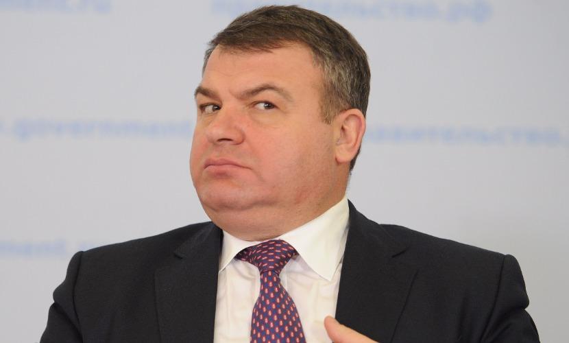 Парламент расследует деятельность экс-министра обороны Сердюкова