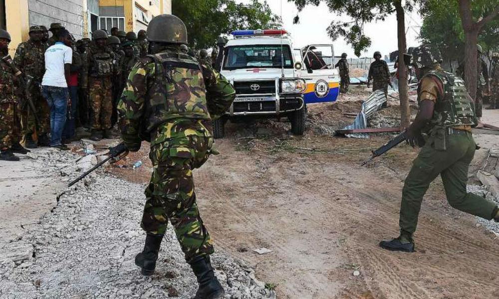 При обстреле автомобиля с врачами у посольства Турции в Сомали погибли шесть человек