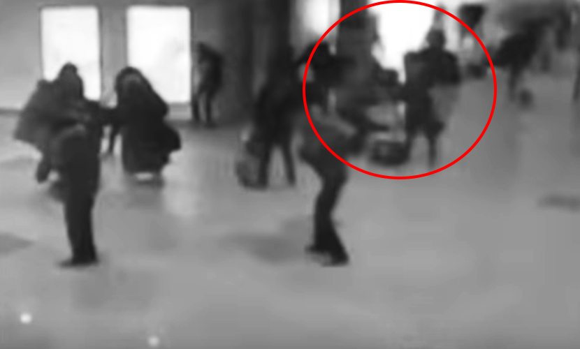 Опубликовано видео страшного взрыва в аэропорту Брюсселя